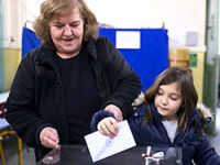 Yunanistan'da genel seçim için sandık başında