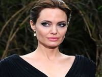 Angelina Jolie Hewler'de