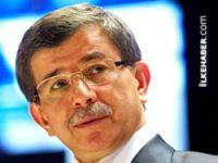 Davutoğlu: Demirtaş bir açıklama yaptığında Kandil'den düzeltme geliyor