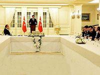 Kürdistanlı gazetecilerden Davutoğlu'na 'Kuzey Irak' sorusu