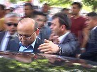 Asker cenazesinde Yalçın Akdoğan'a tepki