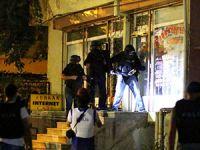 İstanbul Küçükçekmece ve Esenyurt'ta ev baskınları
