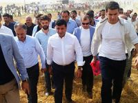 Demirtaş ve HDP'li vekiller Cizre'ye yürüyerek gidiyor