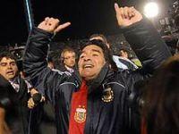 Maradona'nın Arjantin'i finallerde!
