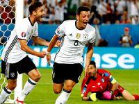 İtalya'yı penaltılarla geçen Almanya yarı finalde