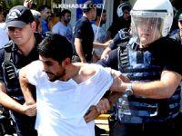 Diyarbakır'da öğretmenlere gaz ve gözaltı