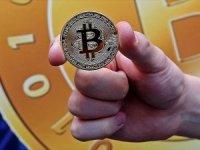 Çalışanların maaşlarını Bitcoin ile ödeyecek!