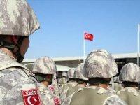 TSK Katar'daki askeri üsse yeni birlik gönderdi