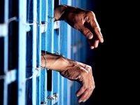 En az 3 bin mahkum ve tutuklu tek kişilik hücrede