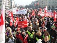 Almanya'da kamu çalışanları greve gidiyor