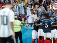 Dünya Kupası'nda ilk çeyrek finalist Fransa