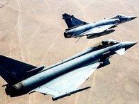 Katar İngiltere'den 24 savaş uçağı aldı