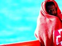 Akdeniz'de mültecileri taşıyan tekne battı