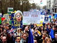 Londra'da 1 milyon kişi Brexit'e karşı yürüdü