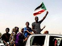 Sudan'da halk, darbe konseyine karşı da sokakta