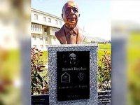 Kürdistan'da İsmail Beşikçi'nin heykeli dikildi