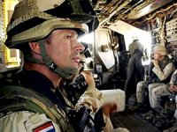 Hollanda Irak'taki askeri eğitim programını durdurdu