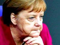 Merkel'den 'Avrupa'da karanlık güçler' uyarısı