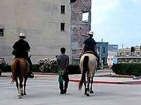 Teksas polisi 'kölelik' dönemine döndü