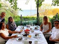 Selvi Kılıçdaroğlu, Dilek İmamoğlu ve Başak Demirtaş buluştu