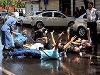 Diyarbakır'da kayyum protestosuna polis müdahalesi