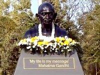 Hewler'de Gandi heykelinin açılışı yapıldı