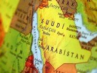 Suudi Arabistan Riyad semalarında balistik füze düşürdü