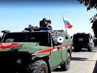 Rus konvoyunun Kobani'ye giriş anı