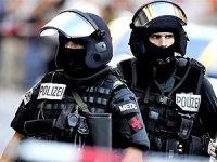 Almanya'da IŞİD operasyonu: İkisi Türkiye vatandaşı üç kişi gözaltında