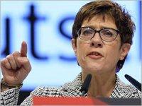 Alman Savunma Bakanı'ndan Kıbrıs'a destek vurgusu