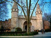TSK,Topkapı Sarayı'ndaki depolarını boşaltmıyor