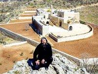 'Terör'den tutuklanan Süryani rahip Bileçen tahliye edildi