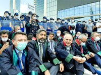 Baroların savunma yürüyüşüne polis müdahalesi