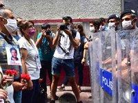 Cumartesi Anneleri'nin 800'üncü eylemine polis engeli