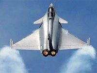 Fransız savaş uçakları Kıbrıs'a indi