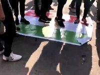 Bağdat'ta Haşdi Şabi yanlıları Kürdistan Bayrağı'nı yaktı