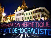 İsviçre'de minare yasağı'na protesto