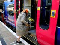 Tarifeli trene binen kadını tanıdınız mı?