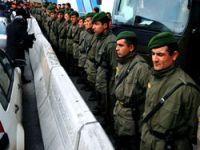 8 asker de serbest!